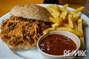 Pulled Pork Sandwhich With Fries