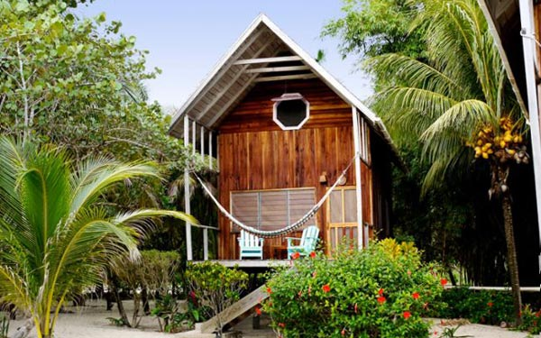 Ian Anderson's Caves Branch Treehouse and Jungle Lodge in ...  |Belize Treehouse Accommodation Near Beach