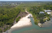 Large ocean front parcel with home in Malacate, Independence