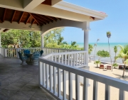 Beachfront Paradise with 2 Bedroom/2 Bath Home in North Plantation