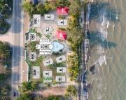 1 Bedroom Beachfront Condos