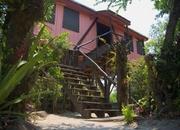 Maya Beach House. Steps to Beach !